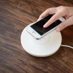 Зарядные устройства для женского смартфона: как выбрать?